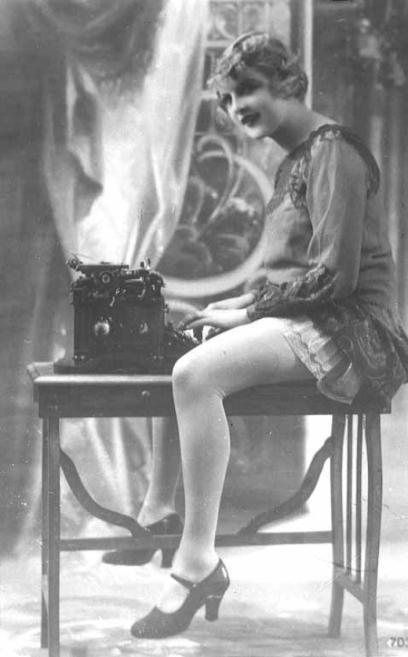underwood_legs_1910s
